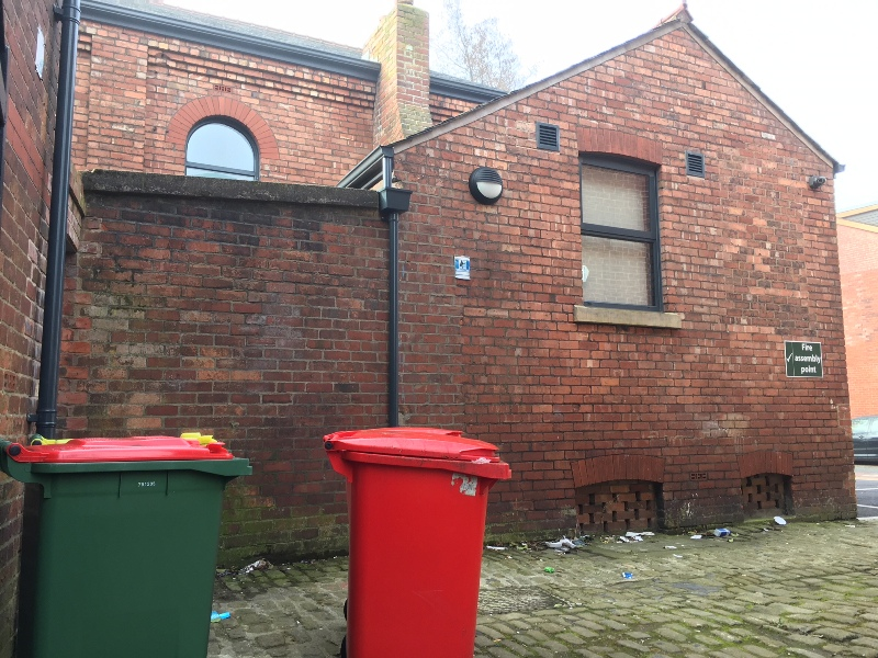 rear alleway, where i want a wirless camera, so i can monitor my car, when i have to park at the back of the house on St Anthonys Rd (10).JPG